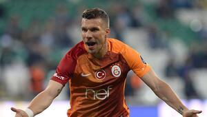 Podolski: Sıkıntılarımı futbola yansıtmıyorum
