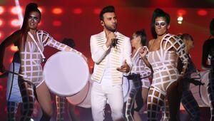 Ünlü şarkıcı Emre Kaya hastaneye kaldırıldı