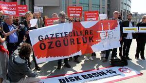 Adliye önünde tutuklu gazeteciler için özgürlük eylemi