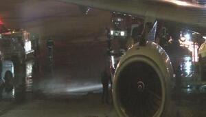 Atatürk Havalimanında yakıt aracı kaza yaptı