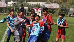 Altınordu Futbol Okullarının şenliği coşkulu görüntülere sahne oldu