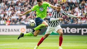 Gomez atıyor Wolfsburg kazanıyor