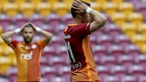 Seyircisiz Aslan komada 4 gol, 1 kırmızı