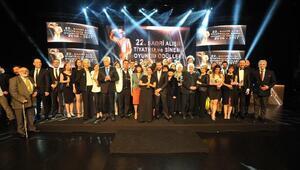 22. Sadri Alışık Tiyatro ve Sinema Oyuncu Ödülleri sahiplerini buldu (2)