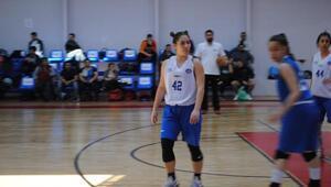 Amerikan Liselerindeki İlk Türk Bayan Basketbolcu
