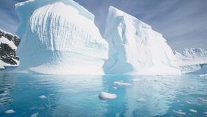 Antarktikada en büyük buzul kütlesi kopmak üzere