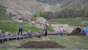 Adilcevaz'da sulama kanalı çalışmaları başladı