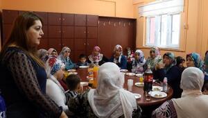 Bağlar Belediyesi, Anneler Gününü erken kutladı