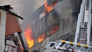 Trabzonda mobilya fabrikası yandı (3)