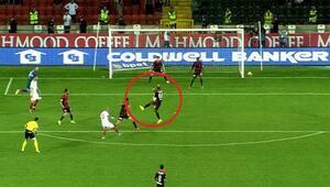 G.Saray maçında penaltı isyanı Tudor ve Sneijderden sert tepki