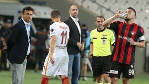 Galatasarayda yeni kriz Podolski...