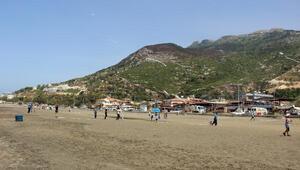 Düş Elçilerinden sahil temizliği ve uçurtma şenliği