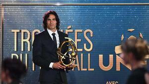 Ligue 1in en iyisi Cavani