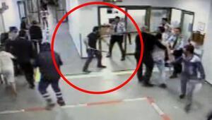 Arnavutköy Devlet Hastanesinde baltalı saldırı kamerada