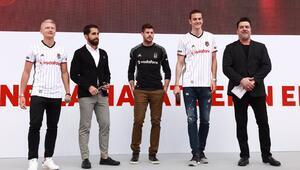 Beşiktaş'lı futbolculara Beyaz sürpriz