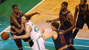 Cavaliers, zorlanmadan seriyi 2-0 yaptı