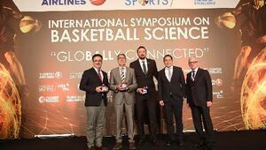 Acıbadem Sportsun bilimsel zirvesinde Basketbolun Geleceği konuşuldu