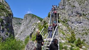Valla Kanyonuna ziyaretçi akını