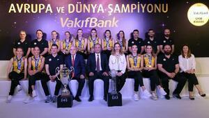 VakıfBankın şampiyonluk hikayesi anlatıldı
