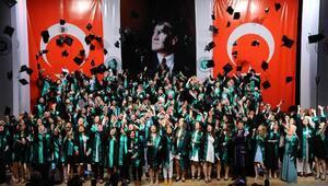 950 öğrenci mezun oldu