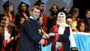 Kalyoncu Üniversitesinde mezuniyet coşkusu