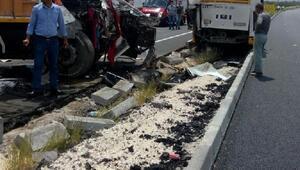 Malatyada belediye otobüsüne kamyon çarptı: 4 yaralı (2)- Yeniden