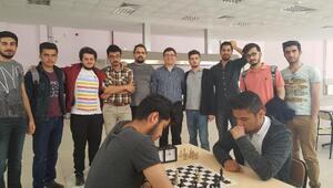 Fakülteler arası satranç turnuvası sona erdi