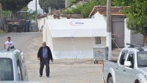 Manisada deprem korkutuyor; halk geceyi çadırlarda geçirdi
