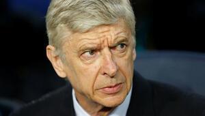 Arsenal, Arsene Wenger ile devam kararı aldı