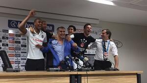 Şampiyon Beşiktaş... Basın toplantısında sürpriz...