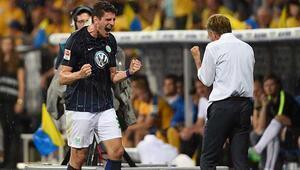Gomezli Wolfsburg, Bundesligada kaldı