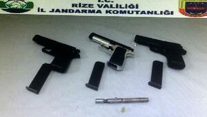 Rize'de biri kalem tipi 4 tabanca ele geçirildi