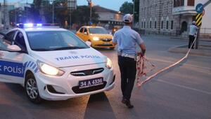Beşiktaşta çöken yol, çalışmaların tamamlanmasının ardından trafiğe açıldı