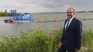 Mogan Gölünün temizliğine UHDB tarama gemisiyle başlandı