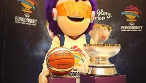 EuroBasket 2017 kupası İstanbulda sporseverlerle buluştu