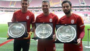 Galatasarayda 3 isme plaket