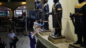 Selçuklu tarzı Türk Beyleri Kent Meydanı