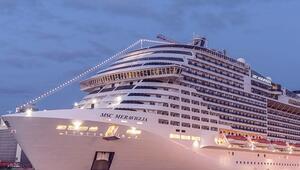 Denize indirilen en büyük gemi MSC Meraviglia tam 171 ton ağırlığında