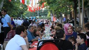 Beykozda 7'den 70'e iftar sofrası