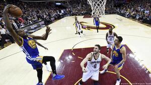 Warriors şampiyonluğa bir adım uzakta