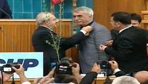 Sarp Kuray CHP üyesi oldu