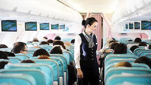 Uçakta tiyatro dönemi başladı