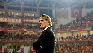 Ayrılma sebebini, Bruma'yı, Sneijder'i... Riekerink her şeyi anlattı