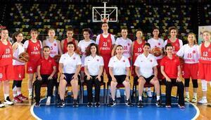 Türkiye İşitme Engelli Kadın Basketbol Milli Takımı Samsunda kampta