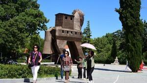 Truvaya Uzak Doğulu turist ilgisi