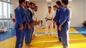 İşitme Engelli judocular, olimpiyatlara hazırlanıyor