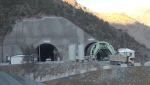 Avrupanın en uzunu olacak tünelin 6 kilometresi kazıldı