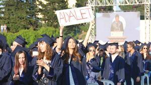 Boğaziçinde protestolu mezuniyet