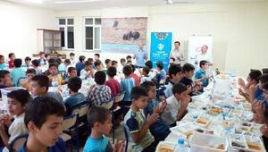 TDV, 300 öğrenciyle iftar yaptı