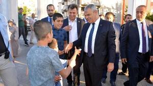 Başbakan Yardımcısı Kaynak, 4 bin kişiyle kahvaltı yaptı